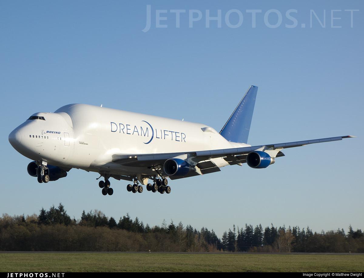 A Boeing 747-400(LCF) Dreamlifter