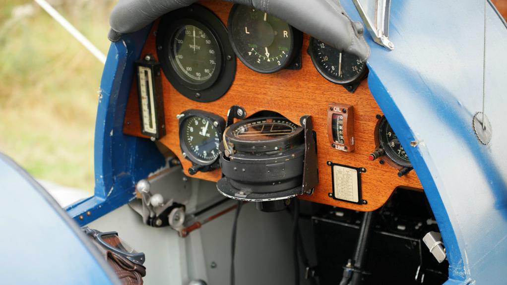 The instrument panel on Wiklund's DH60 Moth.
