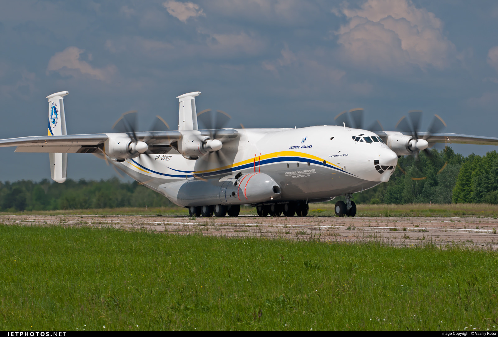 The Antonov An-22