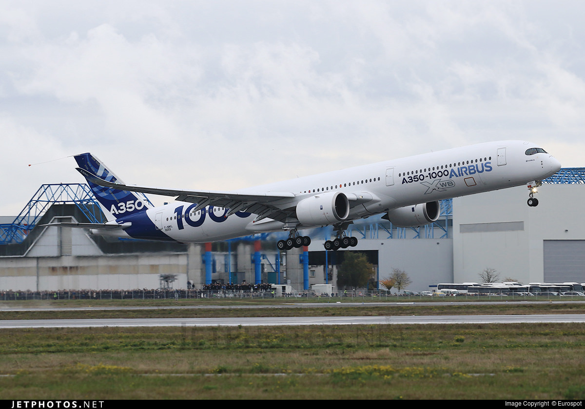 A350-1000 MSN 059 departing on its first flight