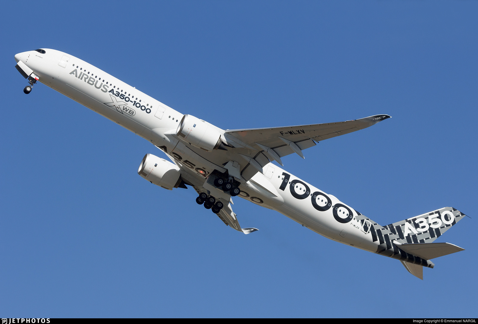 A350-1000 F-WLXV 2