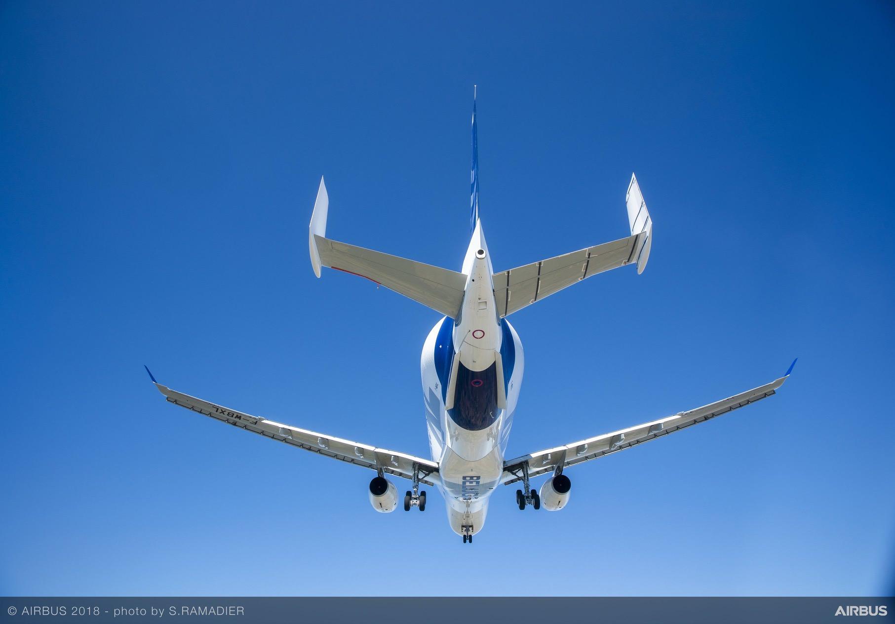 BelugaXL-First-Flight-Air-To-Air-046