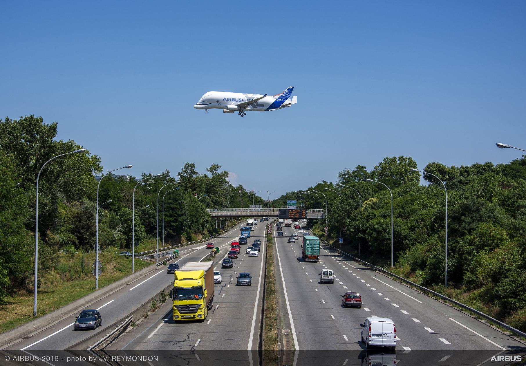 BelugaXL-First-Flight-Low-Pass-002
