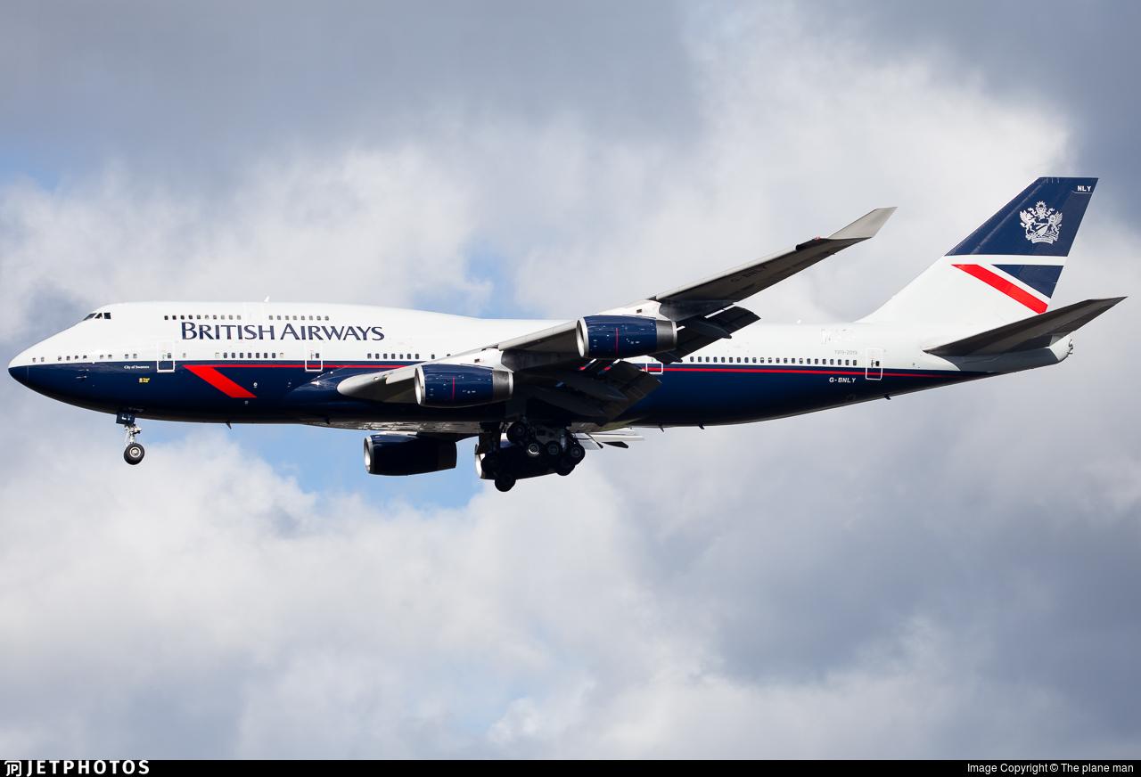 British Airways 747 in Landor livery