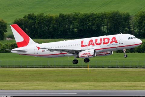 Lauda A320 flypast