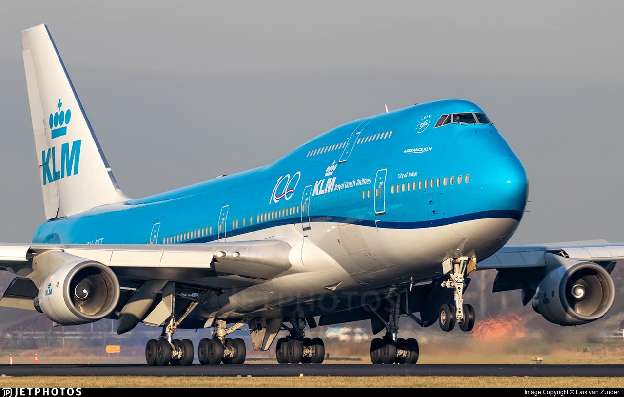 KLM 747 landing in Amsterdam