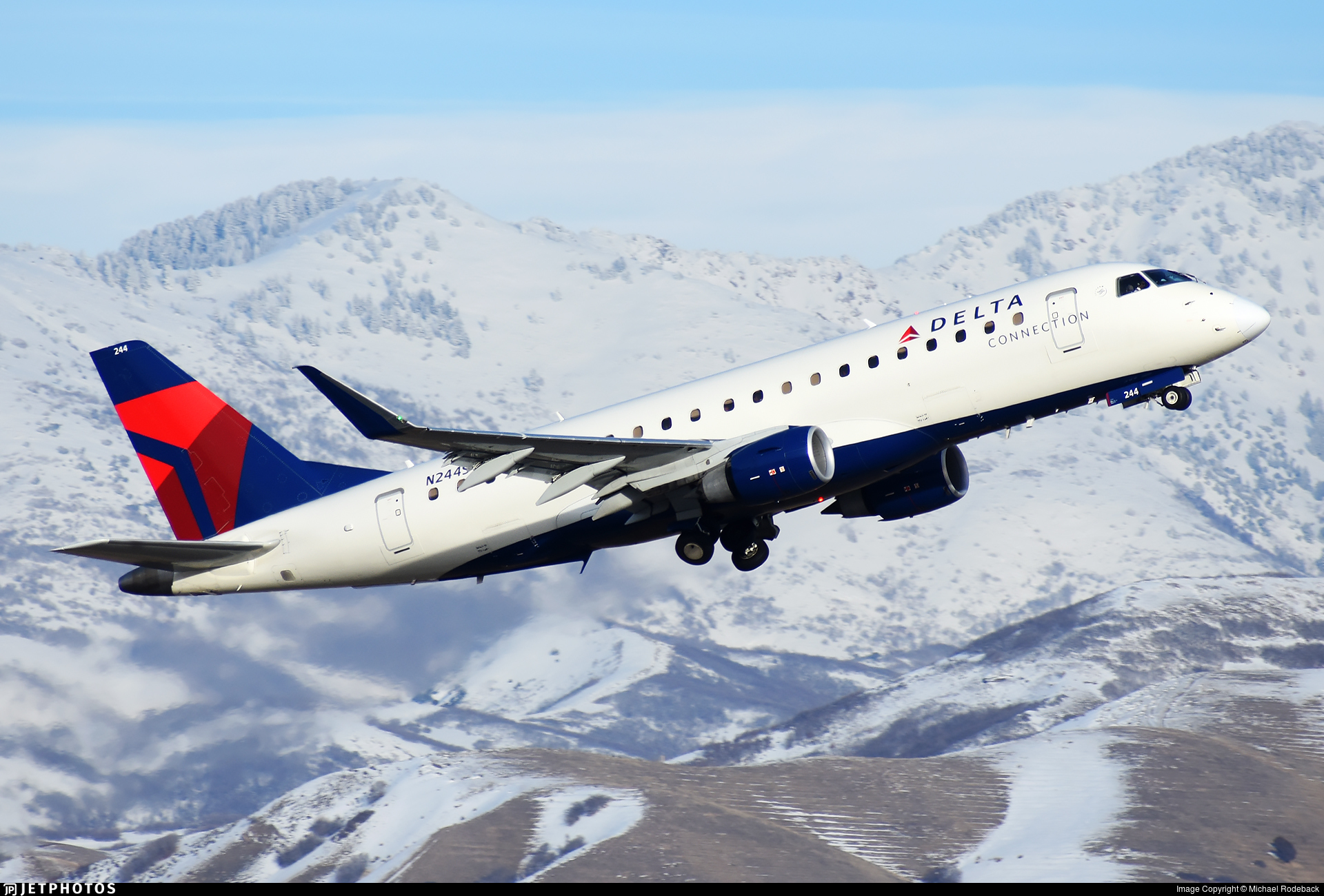 Skywest Delta Connection Embraer