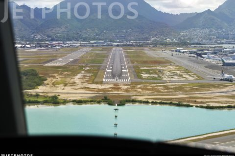 Honolulu International Airport runway