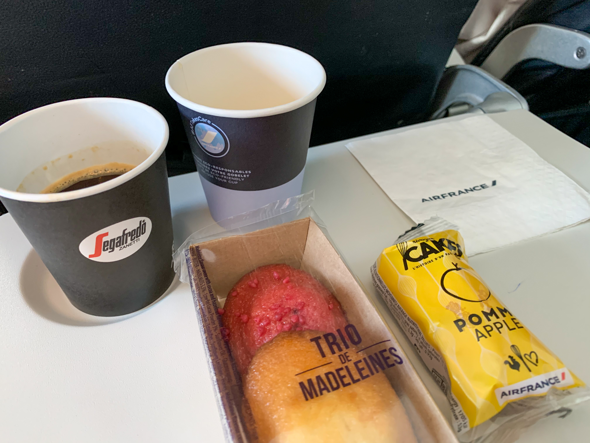 Air France breakfast service