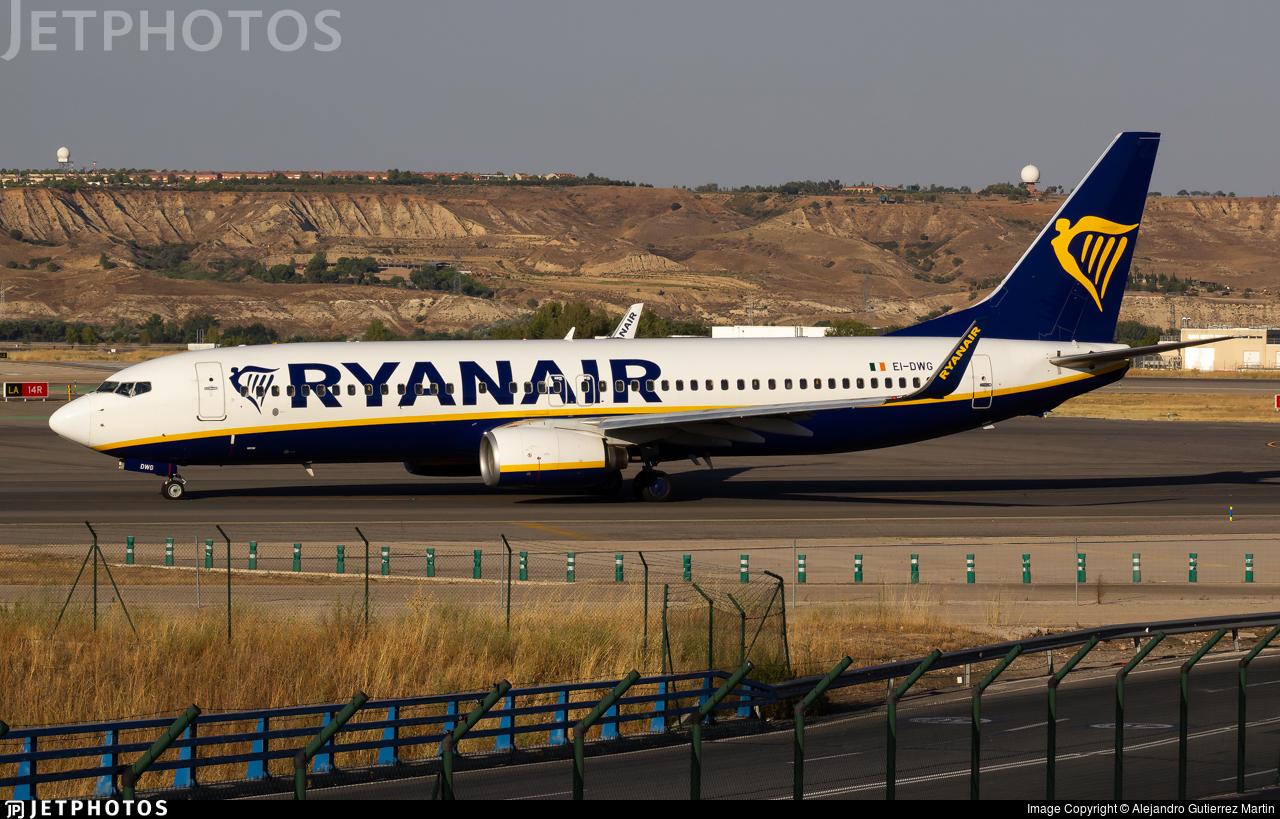 Ryanair low-cost airline carrier pandemic coronavirus schedule