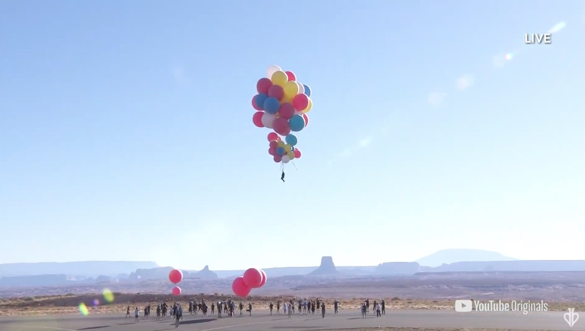 David Blaine is up and away in high flying balloon stunt