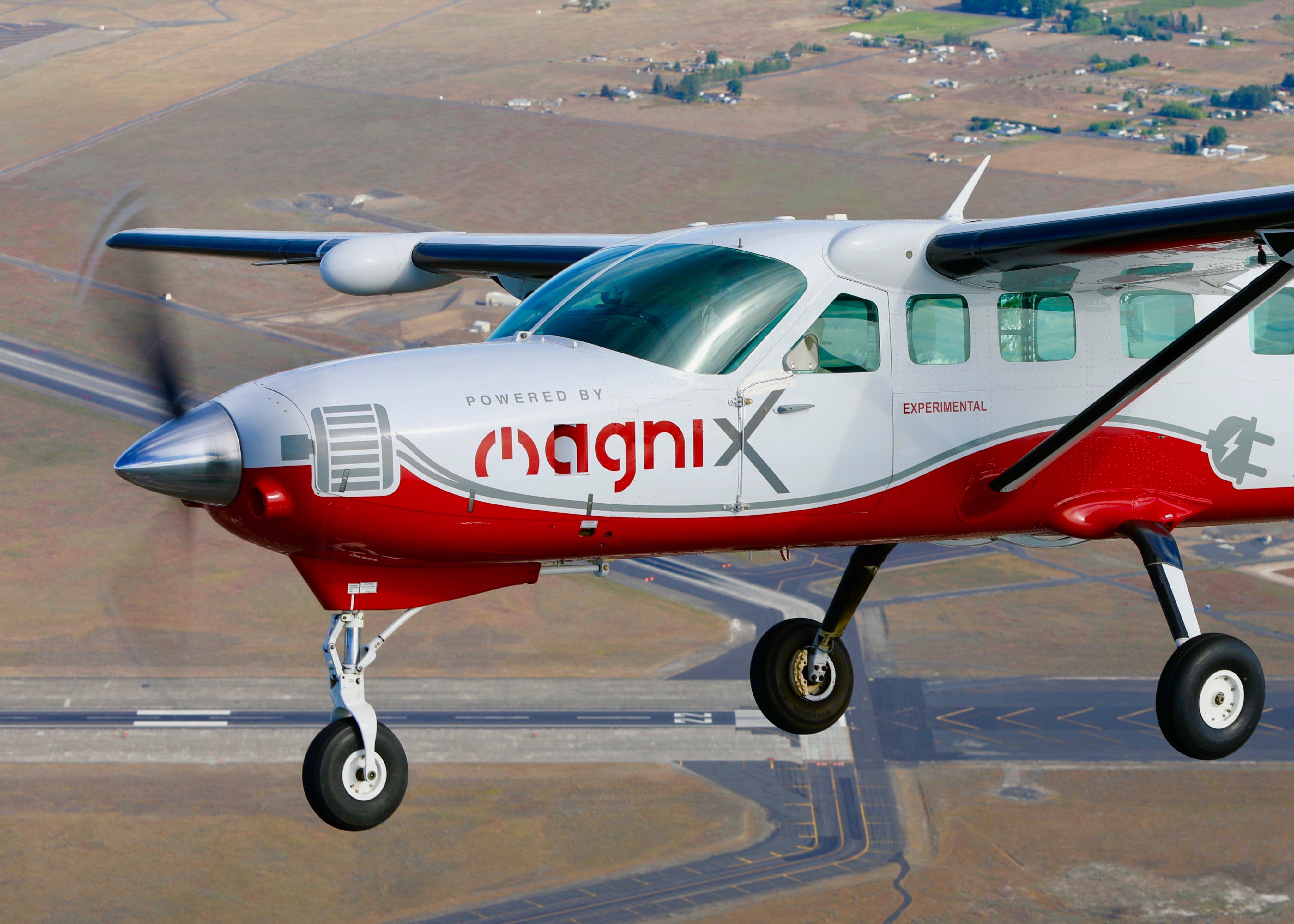 Zero emission electric aircraft MagniX