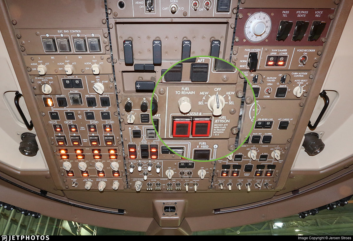 747 control panel fuel dump