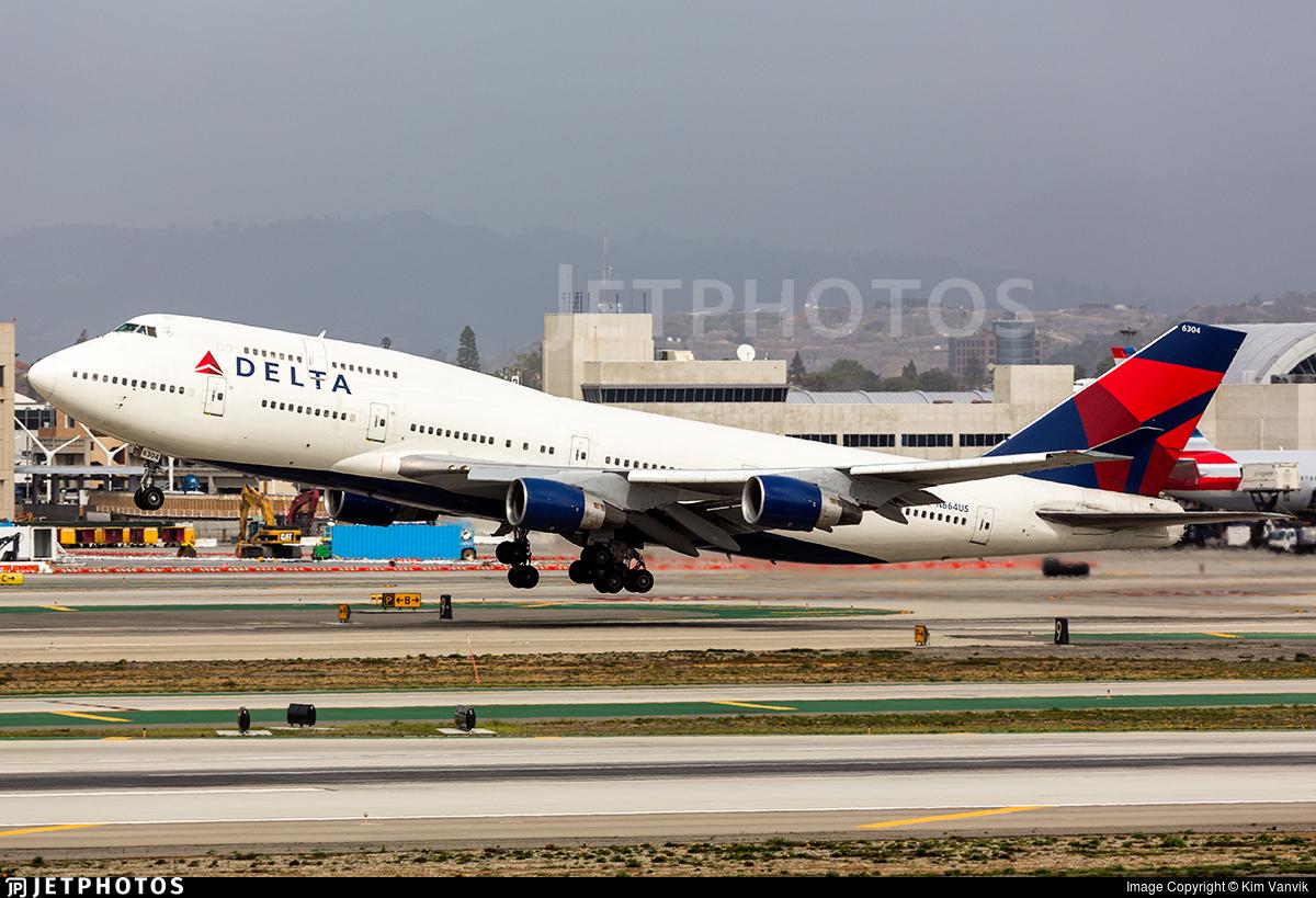 Delta N664US 747 747-400 hail storm China