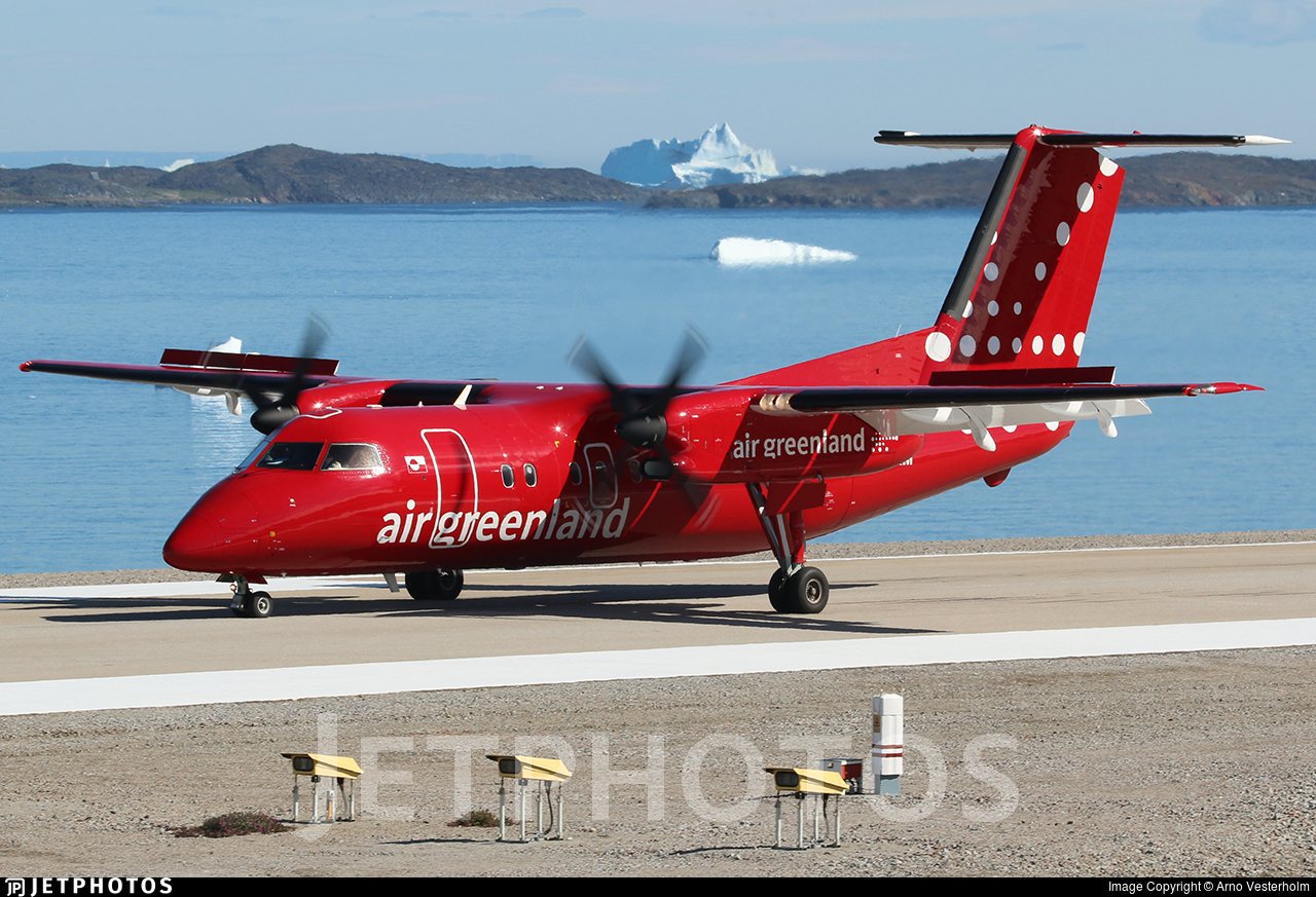 Air Greenland through the pandemic operations Dash 8-200 Aasiaat
