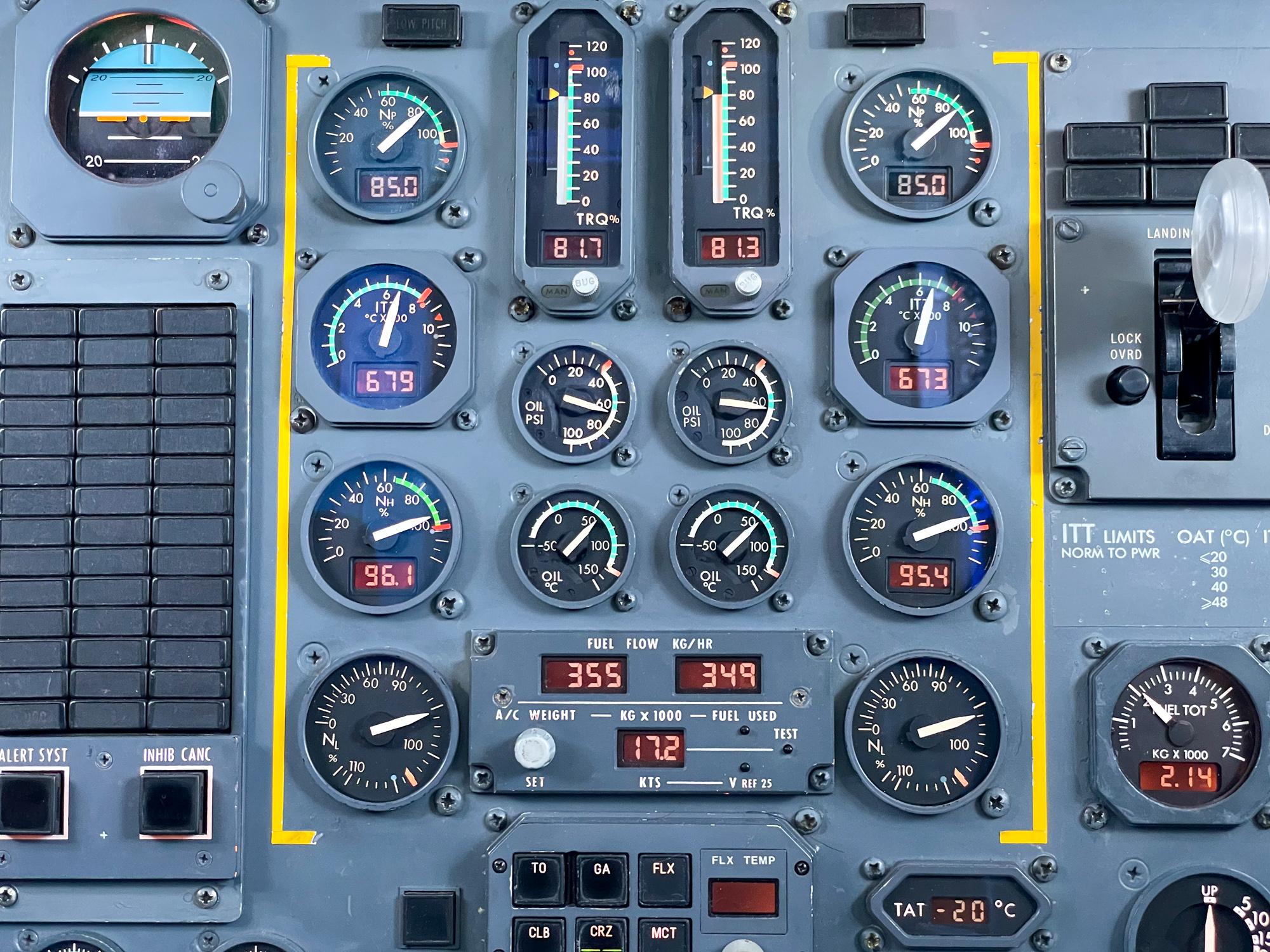 instrument panel Fokker 50 Amapola
