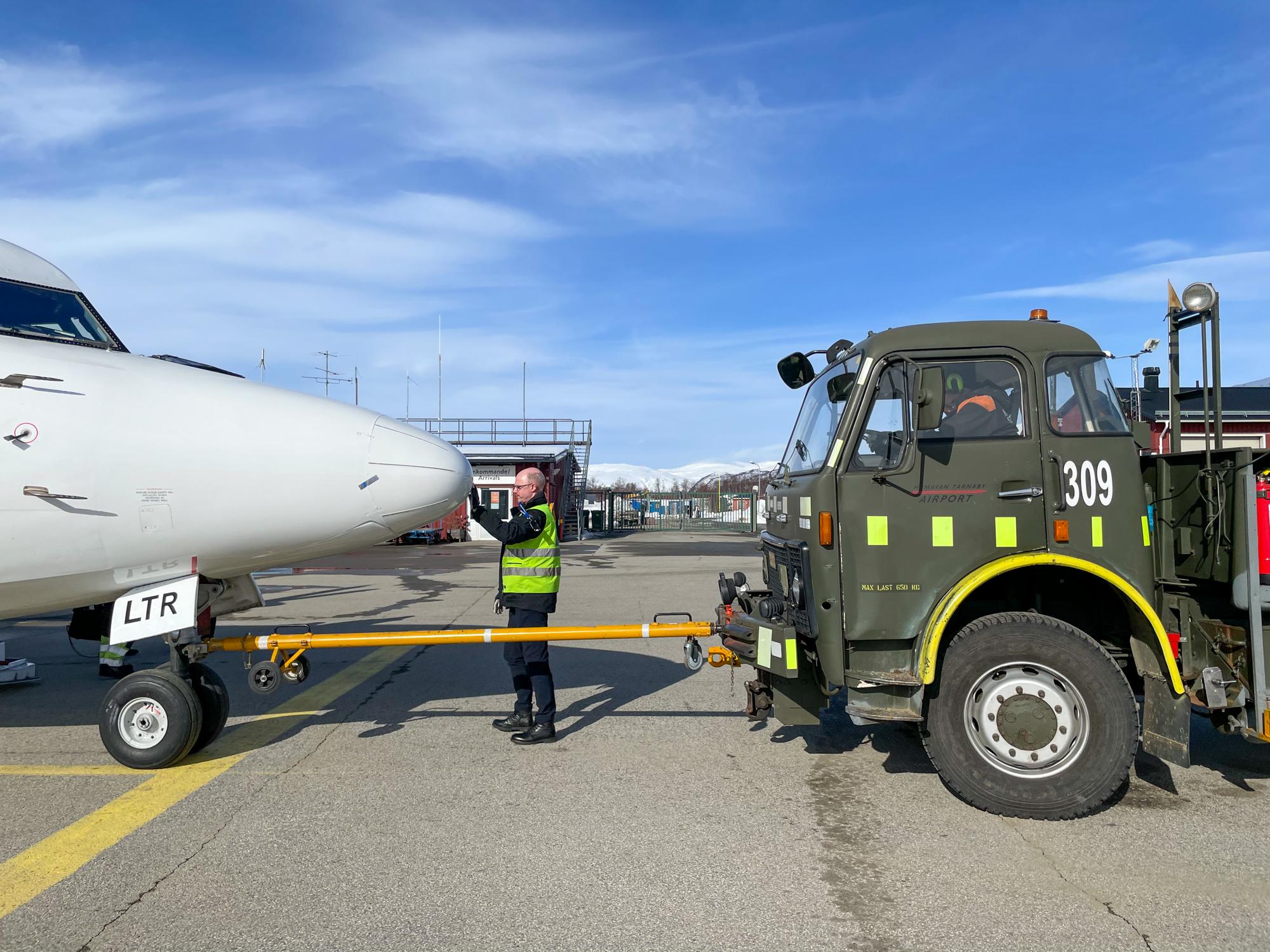 Military tow truck Fokker 50 Hemavan Tarnaby