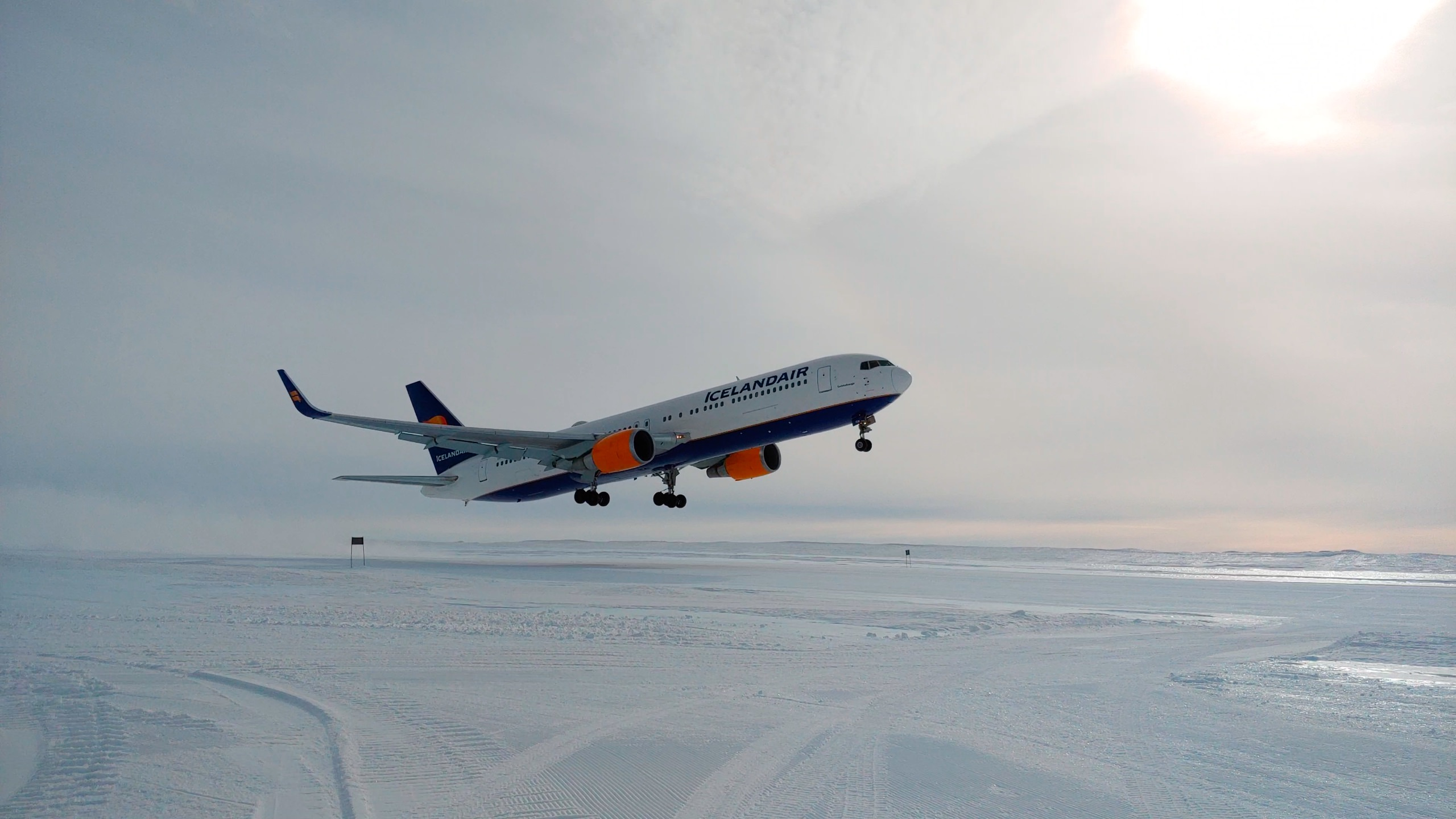 Icelandair 767 departing Troll Airfield